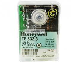 Honeywell (Satronic) TF 832.3 Olaj- és gázégő automatika (02431U) max 30kg/h, 0...60°C, IP44