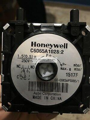 Honeywell C6065A1028U léghiány kapcsoló (kifútó termék)
