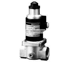 """Honeywell VE4020C1003 korlátozós gázmágnessz. NC, lassú nyitású, 3/4"""" pmax=200mbar 230 Vac IP54"""
